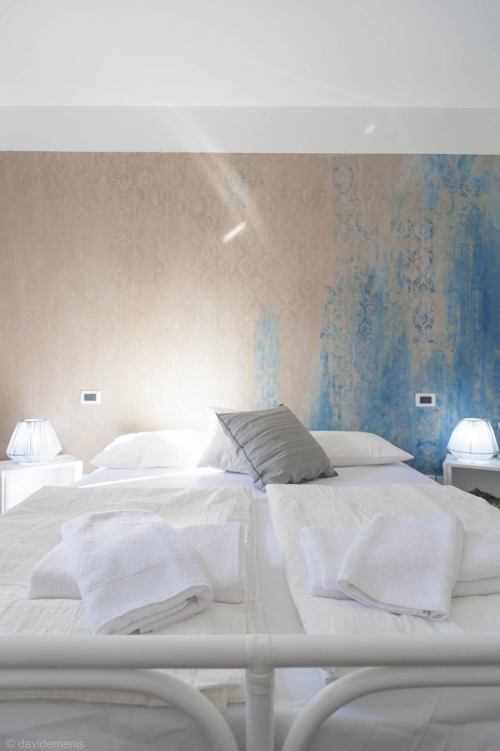 La camera da letto di Stop & Sleep San Daniele del Friuli