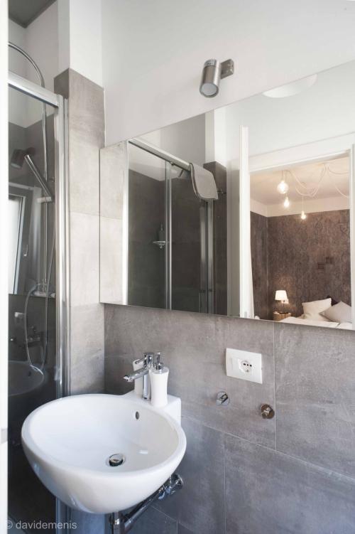 Bagno privato della camera Taormina - Sleep In Udine