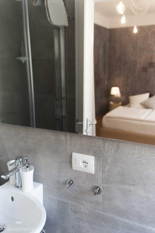 Camera Taormina con bagno privato - Sleep In Udine